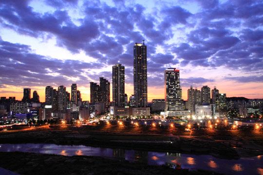 """""""부동산은 자신있다""""더니…文정부 서울 아파트 실거래價 40% 폭등↑"""